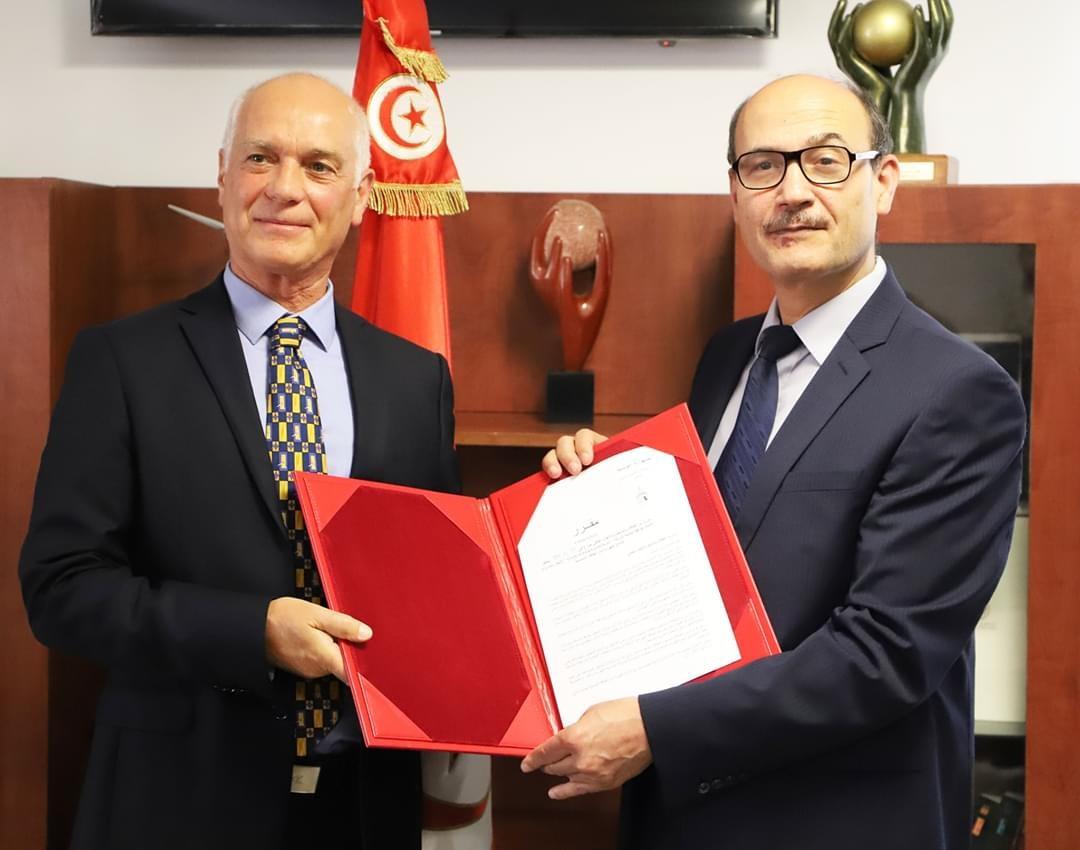 Monsieur Omar Ben Hassine Bey, Qair, et Monsieur Mongi Marzouk, Ministre de l'Energie tunisien