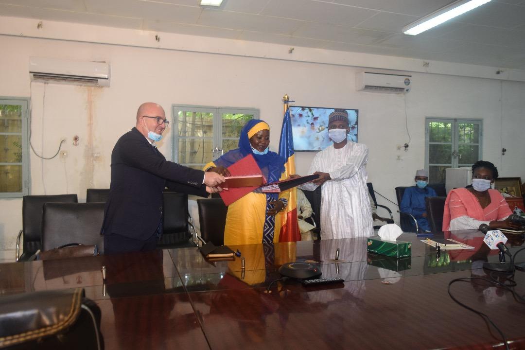 Marc Galinier, développeur Qair, Madame la Ministre de l'Energie et Monsieur le Ministre des Finances et du Budget du Tchad